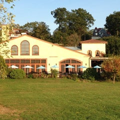 Photo taken at Harvest On Hudson by Dr. Mary C. on 10/14/2012