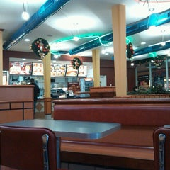 Photo taken at Burger King by Bóna Patrícia👱 on 11/25/2012