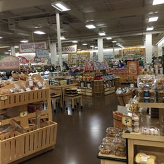 Photo taken at Sprouts Farmers Market by Jesse T. on 11/11/2015