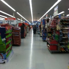 Photo taken at Walmart Supercenter by Tommy D. on 11/24/2012