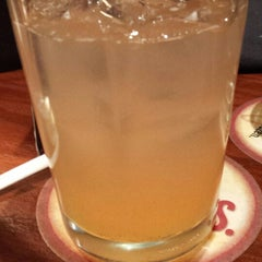 Photo taken at LongHorn Steakhouse by Rosanna R. on 3/22/2015