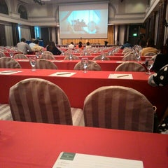 Photo taken at Chaophya Park Hotel (โรงแรมเจ้าพระยาปาร์ค) by Weerayuth S. on 9/8/2015