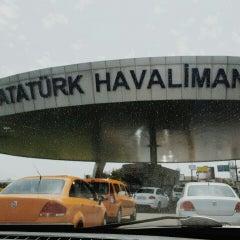 Photo taken at İç Hatlar Gidiş Terminali by Mazlum K. on 5/19/2015