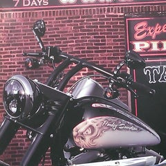 Photo taken at Mabua Harley-Davidson by Hendra S. on 5/2/2013