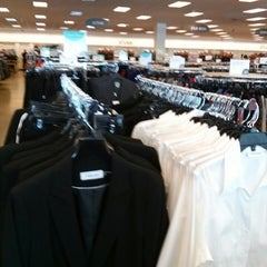 Photo taken at Nordstrom Rack Springbrook Prairie Pavilion by Eunsung J. on 2/26/2014