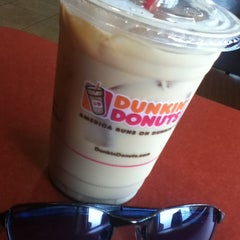 Photo taken at Dunkin Donuts by Jina S. on 2/4/2013