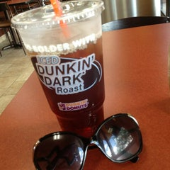 Photo taken at Dunkin Donuts by Jina S. on 6/17/2013