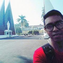 Photo taken at Institut Pemerintahan Dalam Negeri (IPDN) by Alfredo T. on 6/20/2015