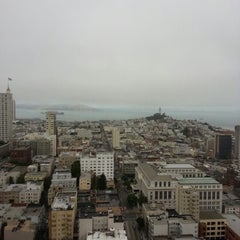 Photo taken at Grandviews Lounge At The Grand Hyatt by Michael S. on 10/19/2012