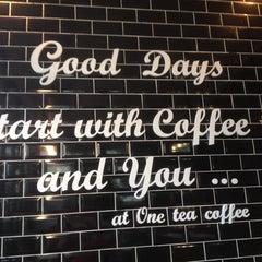 Photo taken at One Tea Coffee by Sirikarn P. on 11/6/2015