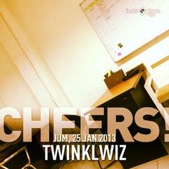 Photo taken at Twinklwiz by Putik L. on 1/25/2013