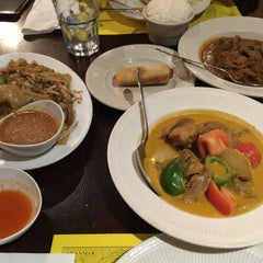 Photo taken at Mandalay Restaurant & Cafe by Emerald Y. on 12/6/2015