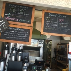 Photo taken at Benny's Bagels Lakewood by Korin M. on 5/5/2015