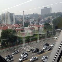 Photo taken at 다음카카오 한남오피스 (daumkakao) by Hyun young P. on 8/22/2014
