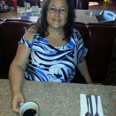 Photo taken at Cozy Diner & Grill by William S. on 9/22/2014