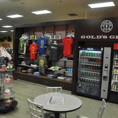 Photo taken at Gold's Gym by Gold's Gym on 4/6/2015
