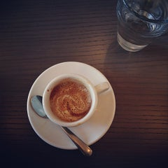 Photo taken at Big Shoulders Coffee by Jennie L. on 9/24/2012
