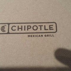 Photo taken at Chipotle Mexican Grill by Ahmet Birkan D. on 6/16/2014