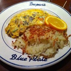 Photo taken at Du-par's Restaurant & Bakery by Stephanie A. on 1/13/2013