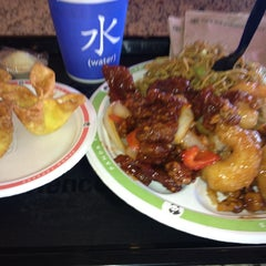 Photo taken at Panda Express by rachhhaaany on 6/28/2013
