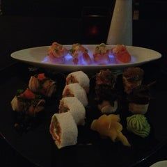Photo taken at Lotus Japanese Fusion Cuisine by Ana Claudia d. on 10/27/2012