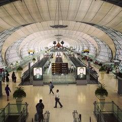 Photo taken at Suvarnabhumi Airport (BKK) ท่าอากาศยานสุวรรณภูมิ by Anton Z. on 7/28/2013
