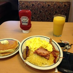 Photo taken at IHOP by Juan A. on 11/9/2012