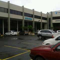 Photo taken at Centro Empresa by Jhonny M. on 3/21/2013