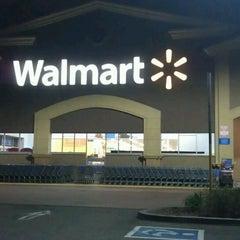 Photo taken at Walmart Supercenter by Stephen T. on 1/9/2014