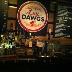 Photo taken at Lou Dawg's B-B-Q! by Le T. on 9/15/2012