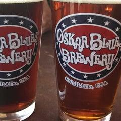 Photo taken at Oskar Blues Grill & Brew by Mayor H. on 6/9/2013
