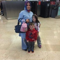 Photo taken at İç Hatlar Gidiş Terminali by İsmail Y. on 5/1/2015