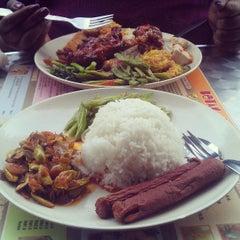 Photo taken at VIP Mixed Rice by Mohanacelvan J. on 6/19/2013