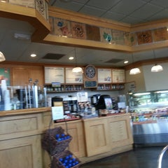 Photo taken at The Coffee Bean & Tea Leaf® by Kevin M. on 5/7/2013
