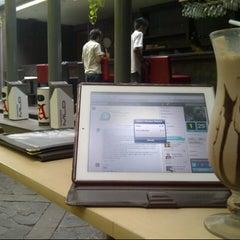Photo taken at Pisa Kafe by Sukria C. on 11/23/2012