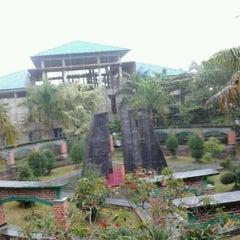 Photo taken at Universitas Islam Riau (UIR) by Ibob Z. on 2/6/2013
