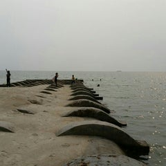 Photo taken at Port Dickson Beach by Shengs . on 9/25/2015