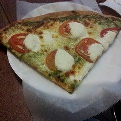 Photo taken at Cafe Viva Gourmet Pizza by Jennifer L. on 3/11/2013