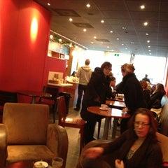 Photo taken at Caffè Belmondo by Larissa K. on 12/11/2012
