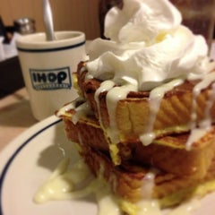 Photo taken at IHOP by Arty H. on 7/19/2013