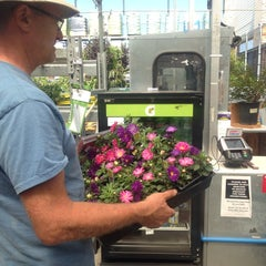 Photo taken at Lowe's Home Improvement by Martin Carlos P. on 6/15/2014
