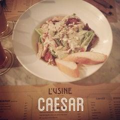 Photo taken at L'USINE: Et la Cafeteria de L'Usine by Ven D. on 12/29/2012