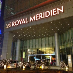 Photo taken at Le Royal Méridien Shanghai | 上海世茂皇家艾美酒店 by Jamison N. on 3/21/2013