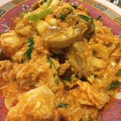 Photo taken at ทวีชัยโภชนา (Thaveechai Restaurant) by Amm P. on 12/16/2015