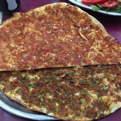 Photo taken at Öz Kilis Kebap ve Lahmacun Salonu by Olcum I. on 8/12/2013