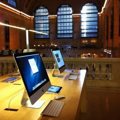 Photo taken at Apple Store, Grand Central by Joe N. on 3/5/2013