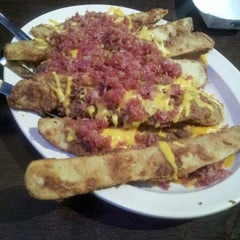 Photo taken at Big House Burgers by Wladimir F. on 1/6/2013