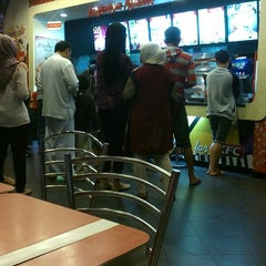 Photo taken at KFC by NadiA on 6/12/2014