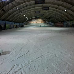 Photo taken at SnowWorld by Café De Don @ D. on 12/24/2012
