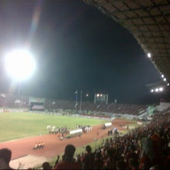 Photo taken at Stadion Manahan by Rahmad Èrbé B. on 8/14/2013